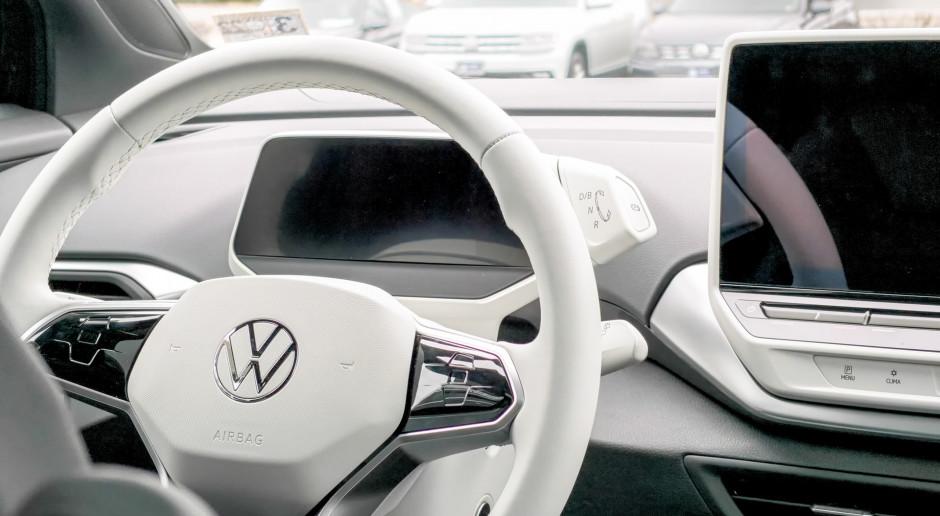Holandia: Haga wprowadza zakaz reklamowania samochodów benzynowych i samolotów