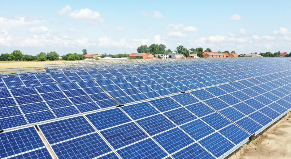 R.Power ogłosił przetargi dotyczące farm PV o mocy kilkuset megawatów