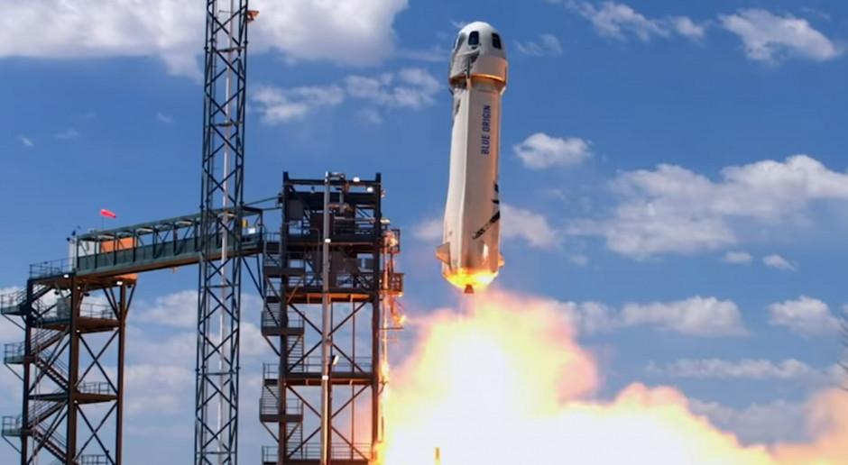 """Rakieta Blue Origin wyniosła w kosmos 90-letnią gwiazdę """"Star Treka"""""""
