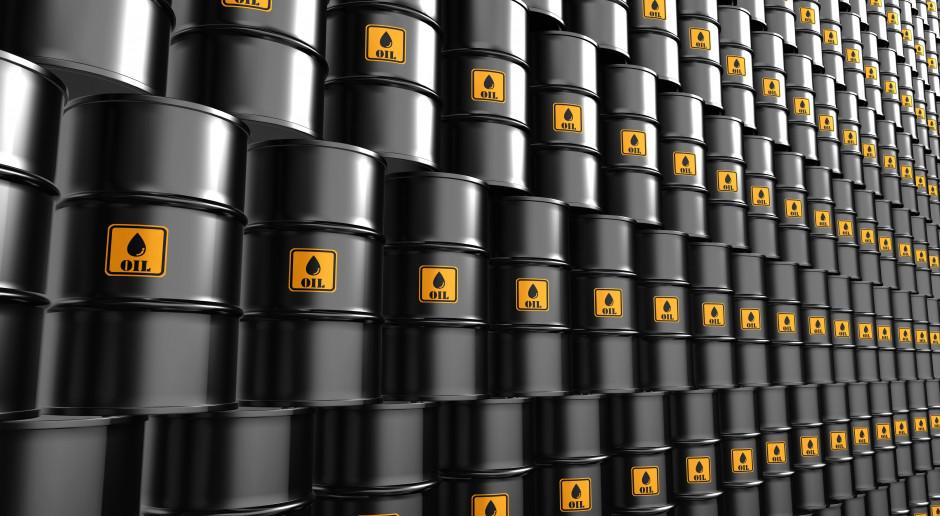 Ropa zyskuje pomimo wzrostu zapasów