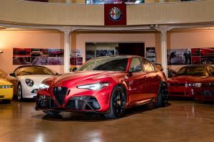 Stellantis przebuduje model sprzedaży aut. Zacznie od Alfy i Lancii