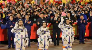 Troje taikonautów dotarło do chińskiej stacji kosmicznej