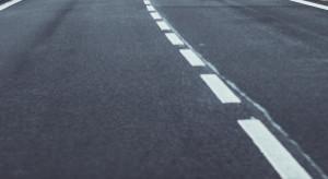 Nowe chodniki i zmodernizowane drogi w ramach Ofensywy Drogowej 2021
